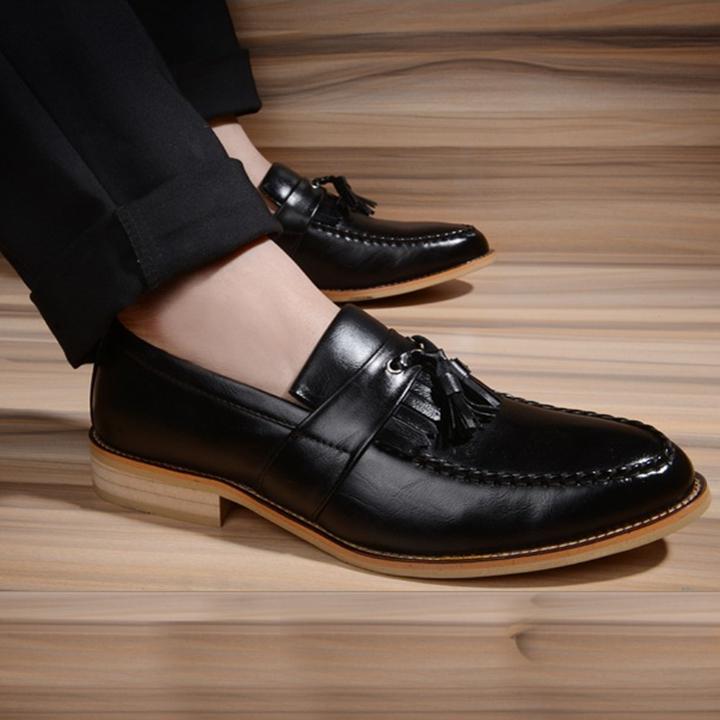các mẫu giầy cho đàn ông trung niên