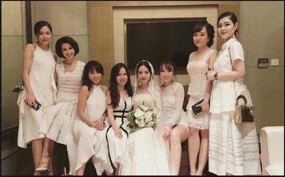 lựa chọn váy đi dự tiệc cưới