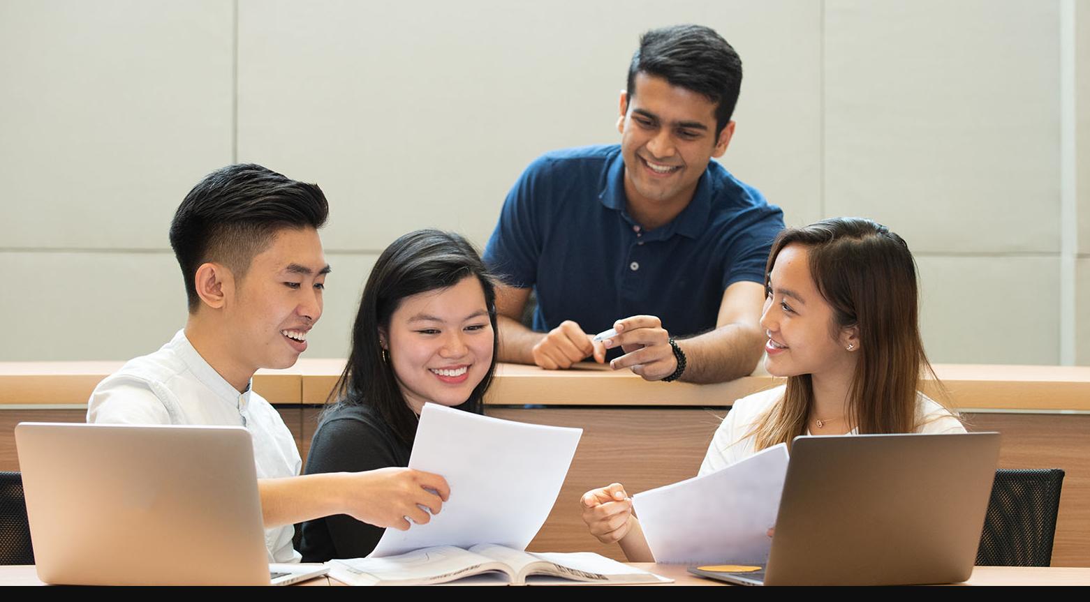 Undergraduate nghĩa là gì