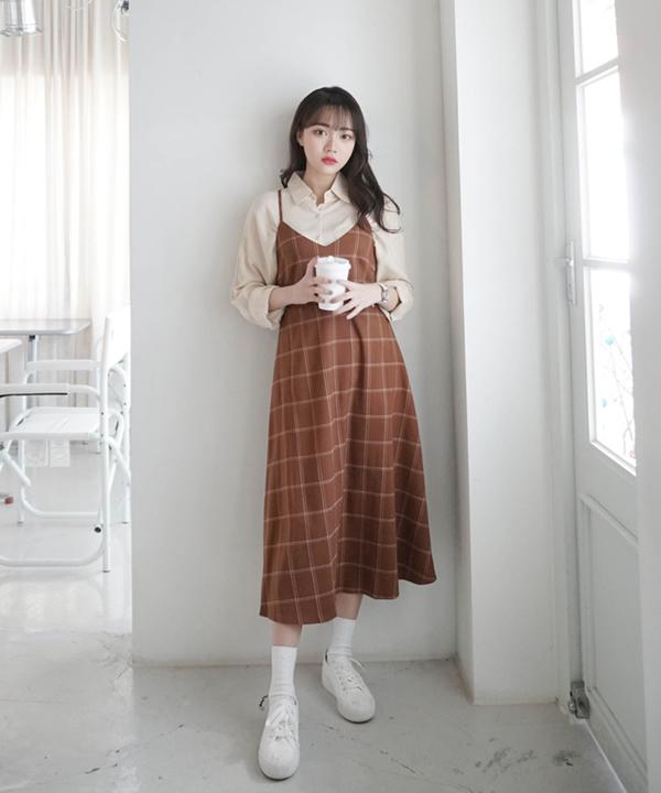 Váy yếm + áo sơ mi