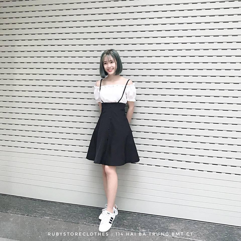 Váy yếm và áo trễ vai