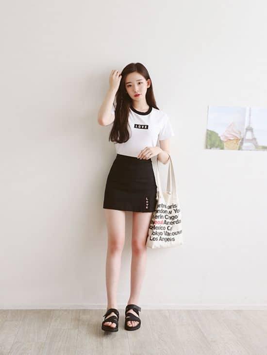 Chân váy và áo phông