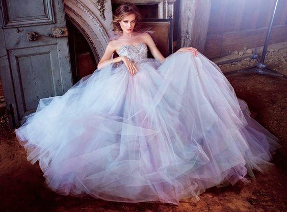 Chọn Váy cưới cho CUNG NHÂN MÃ