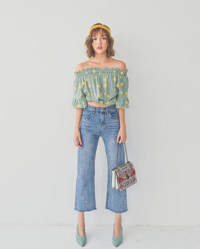 Phối áo croptop với quần suông (cạp cao)