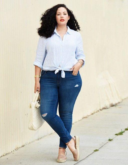 Sơ mi kết hợp với quần jean lưng cao