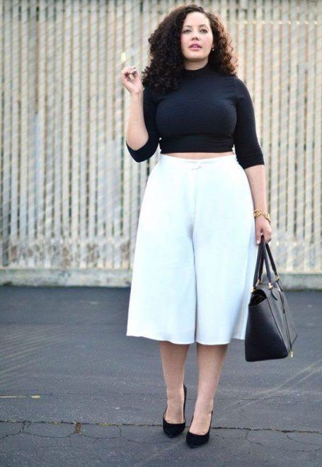 Sử dụng áo ngắn, quần rộng sẽ che được những khuyết điểm trên cơ thể bạn. Đồng thời cùng khiến đôi chân trở lên dài miên man